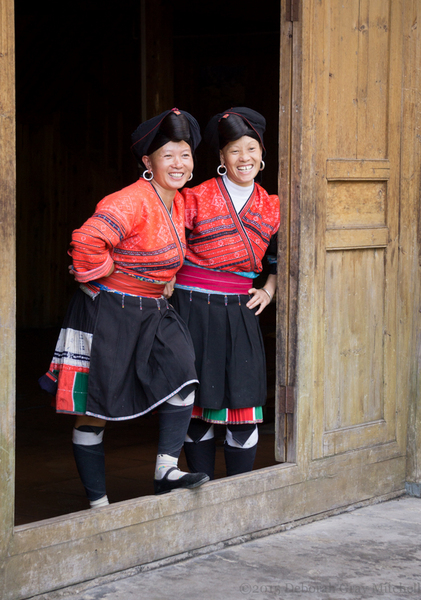 Yao Long Haired Ladies in Zhuang village. ©2015 Deborah Gray Mitchell