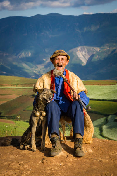 Smiling man and smiling dog, Chinese Redland, 2015